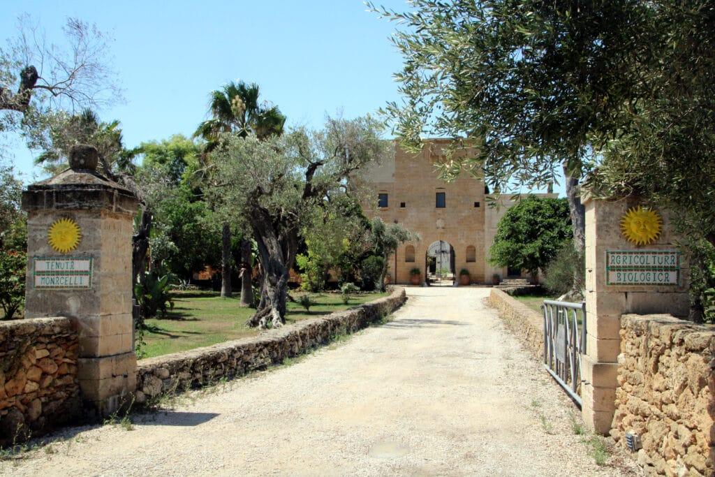 Huwelijksreis in Europa. Tenuta Monacelli in Puglia, Italië